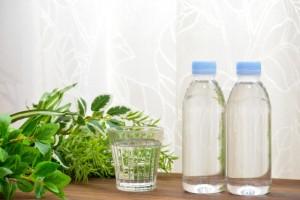 ペットボトルの水の画像